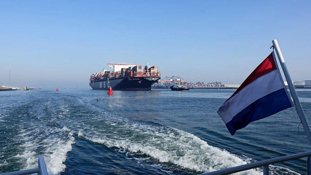 trafico-puerto-rotterdam-min