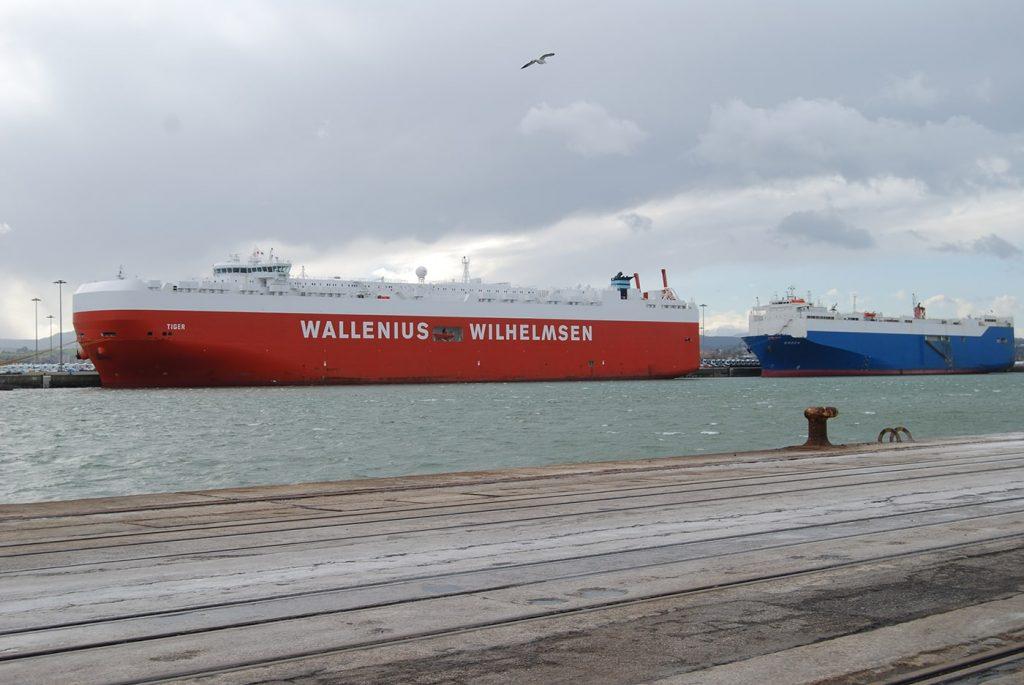 Dos Car-Carriers puertoSantander