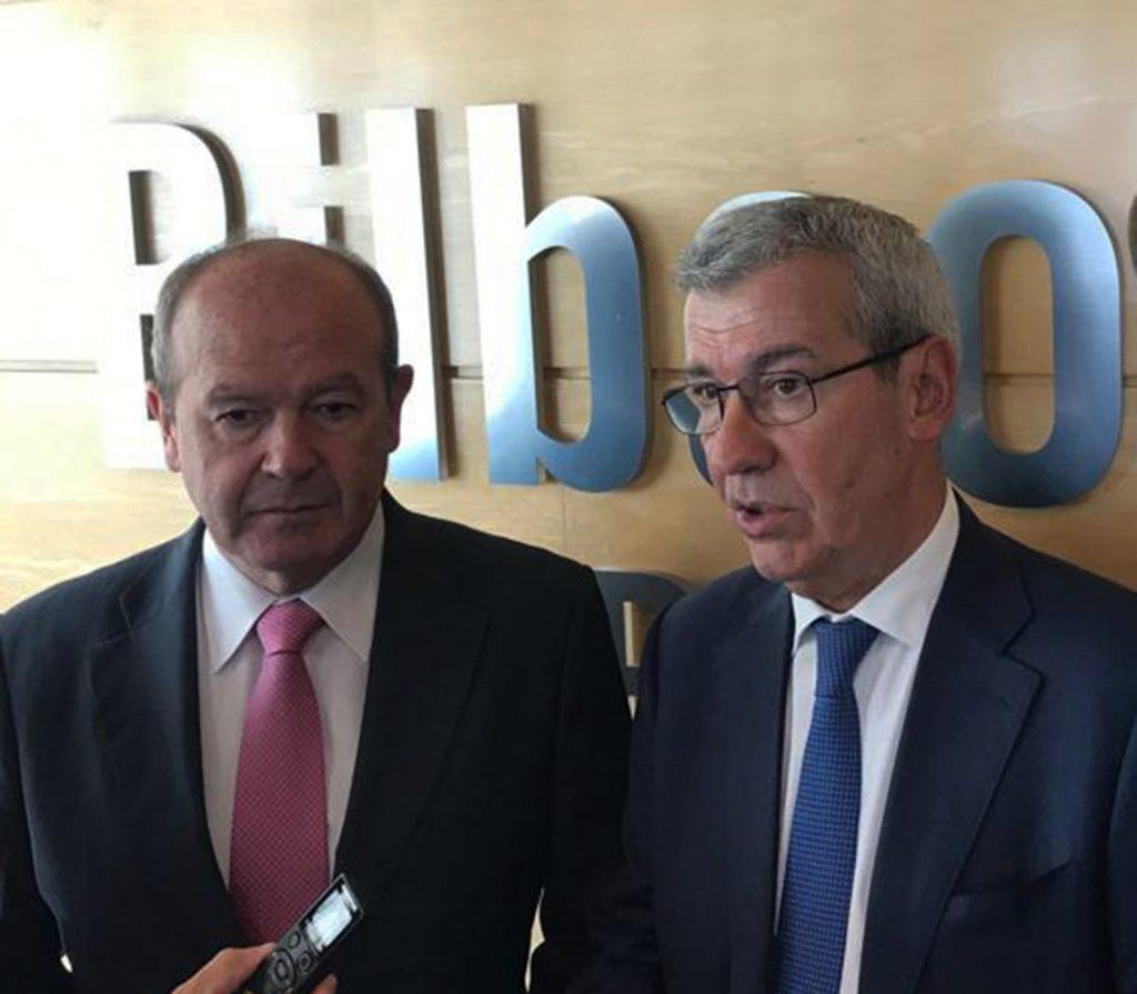 PIPE Ricardo Barkala, presidente de la Autoridad Portuaria de Bilbao,  y Gonzalo Alvargonzález, presidente de PIPE