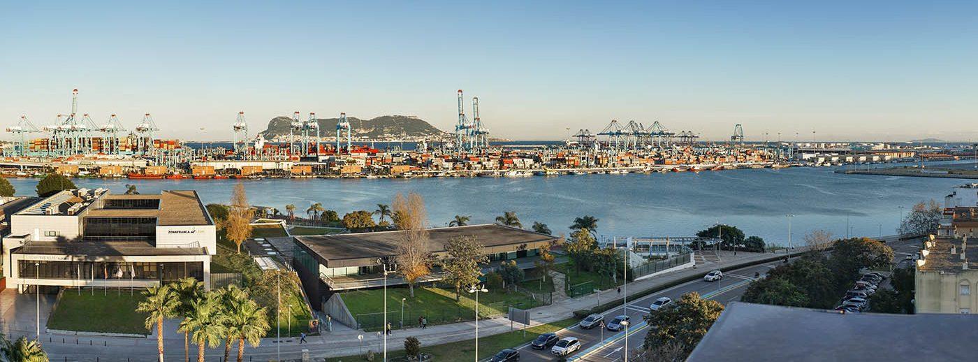 El puerto de Algeciras estrechará relaciones con el sector agroalimentario de Perú - El Canal Marítimo y Logístico