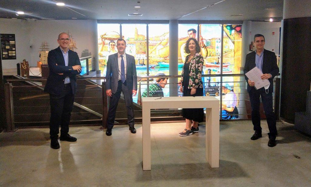 Hitzarmena2 min 1024x617 - La Sociedad Coral de Bilbao e Itsasmuseum firman un acuerdo de colaboración