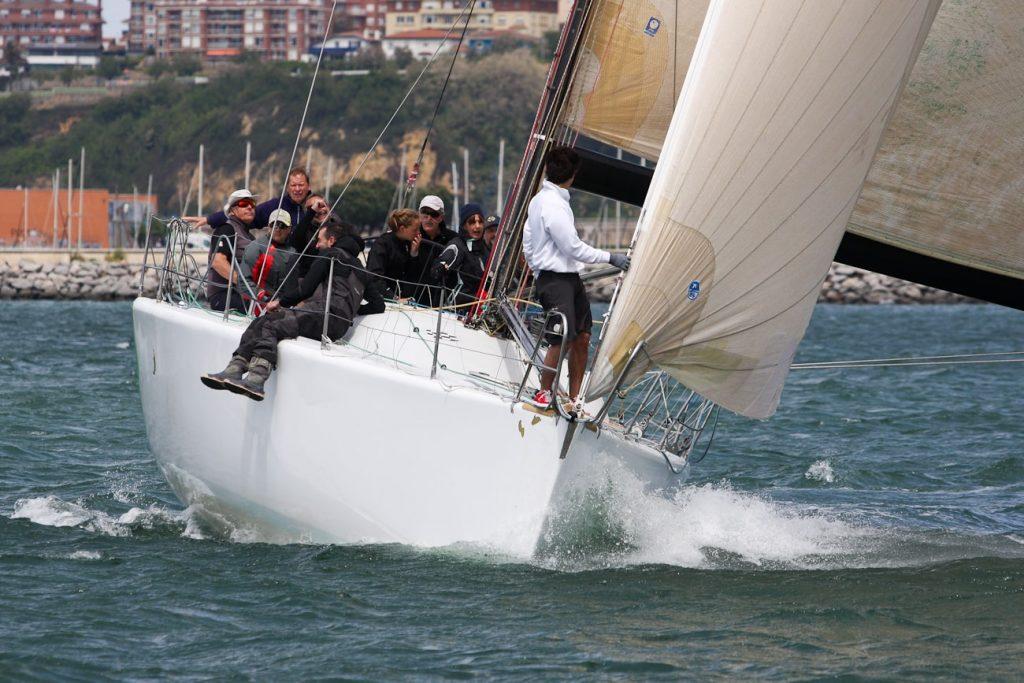 Social2 min 1024x683 - Arranca el IV Trofeo Social para cruceros y J80 en el Abra de Bilbao