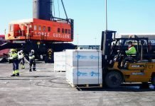 Almería descarga más de 3.000 toneladas de paneles de yeso